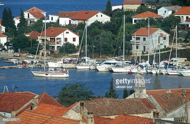 Dalmatien / Veli Iz: Segelboote im Hafen - 1999