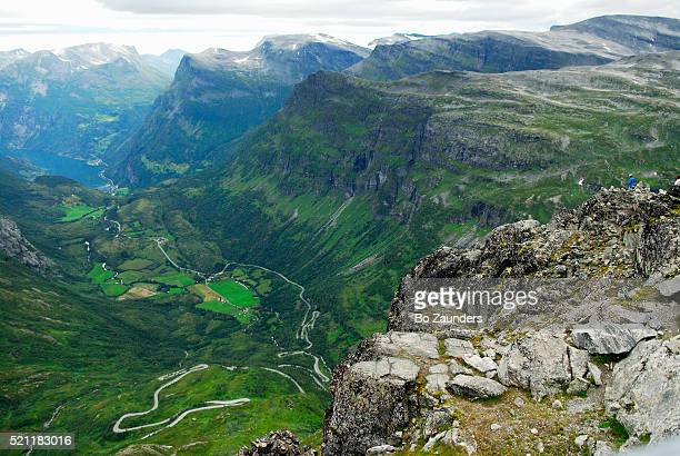 dalsnibba, panoramic viewpoint in geiranger, norway | location: geiranger, norway. - bo zaunders stock pictures, royalty-free photos & images