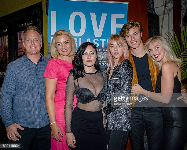 Dalton Smith Sheridan Smith Starlie Cheyenne Smith Pyper America Smith Lucky Blue Smith and Daisy Clementine Smith at the Love Everlasting Premier at...