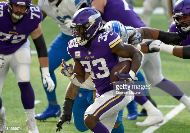 Dalvin Cook of the Minnesota Vikings runs with the ball against the Detroit Lions at U.S. Bank Stadium on November 08, 2020 in Minneapolis, Minnesota.