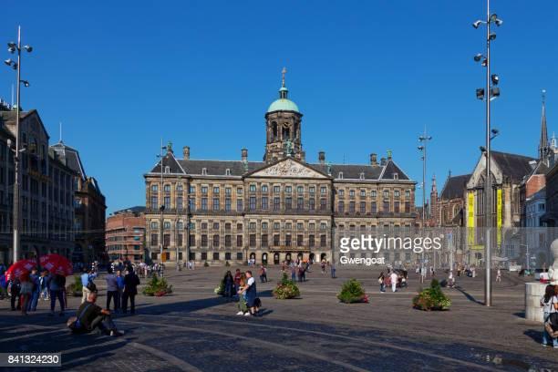 dam square in amsterdam - gwengoat foto e immagini stock