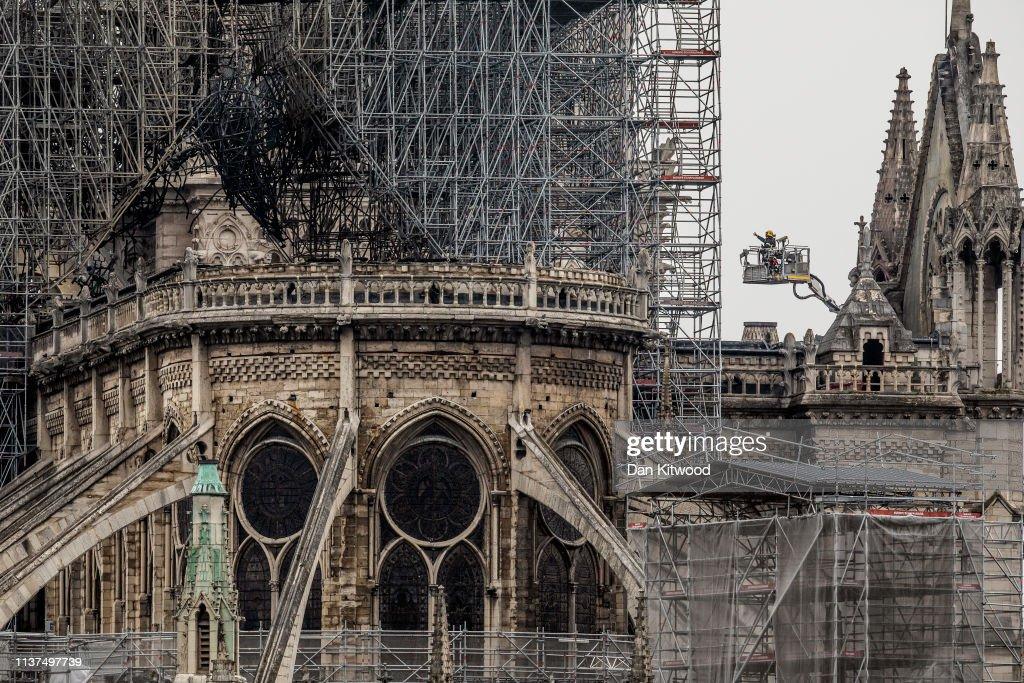 Paris Assesses Damage Following Notre Dame Blaze : News Photo