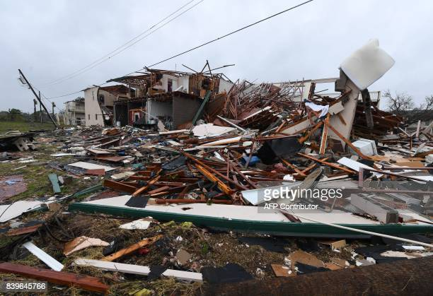 Damage to a twostorey apartment building after Hurricane Harvey hit Rockport Texas on August 26 2017 / AFP PHOTO / MARK RALSTON