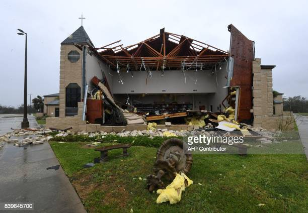 TOPSHOT Damage to the First Baptist Church of Rockport after Hurricane Harvey hit Rockport Texas on August 26 2017 / AFP PHOTO / MARK RALSTON