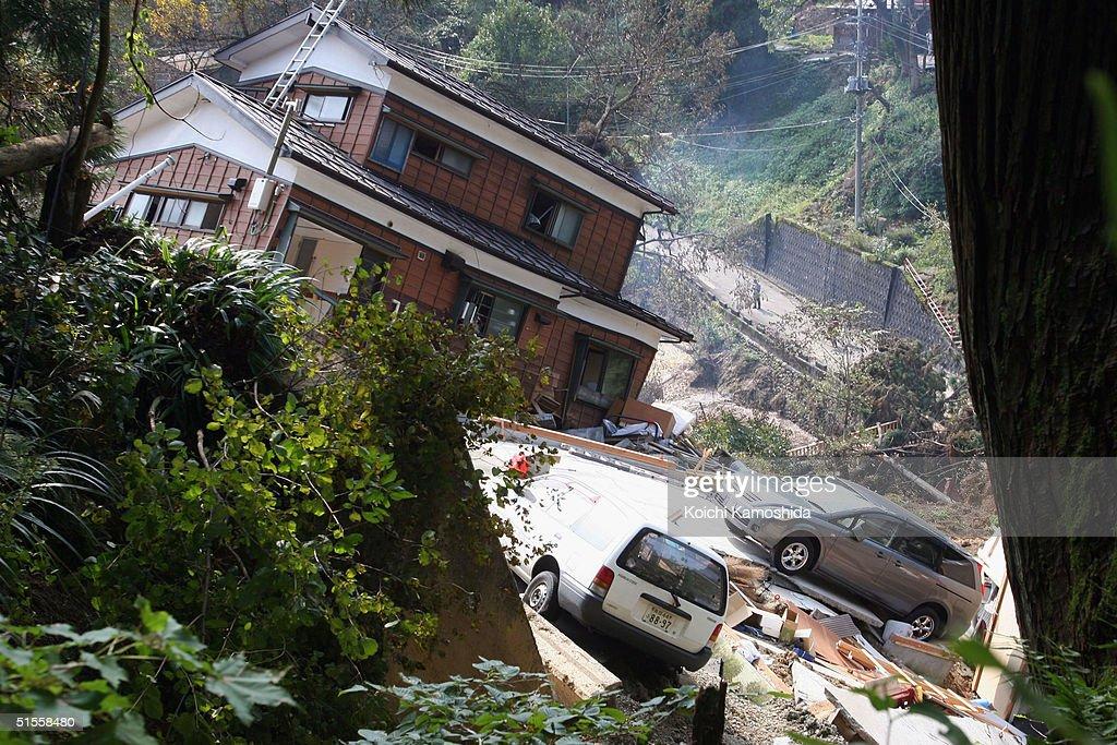 Earthquake Measuring 6.8 Rocks Japan : News Photo