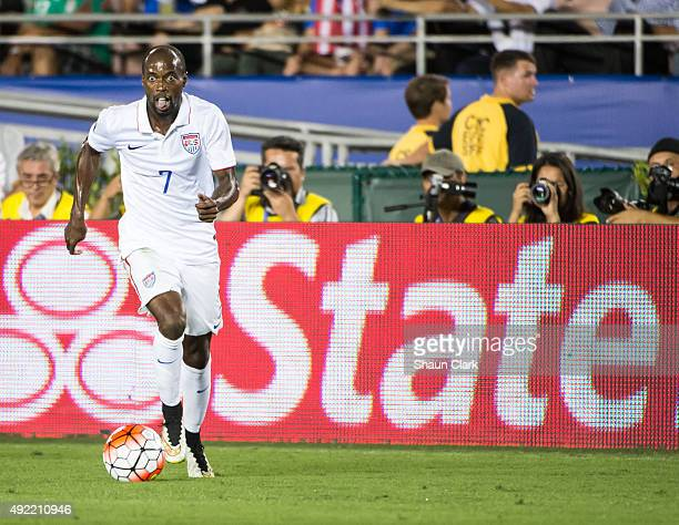 DaMarcus Beasley of the United States charges toward goal during the CONCACAF Cup between the United States and Mexico at the Rose Bowl on October...
