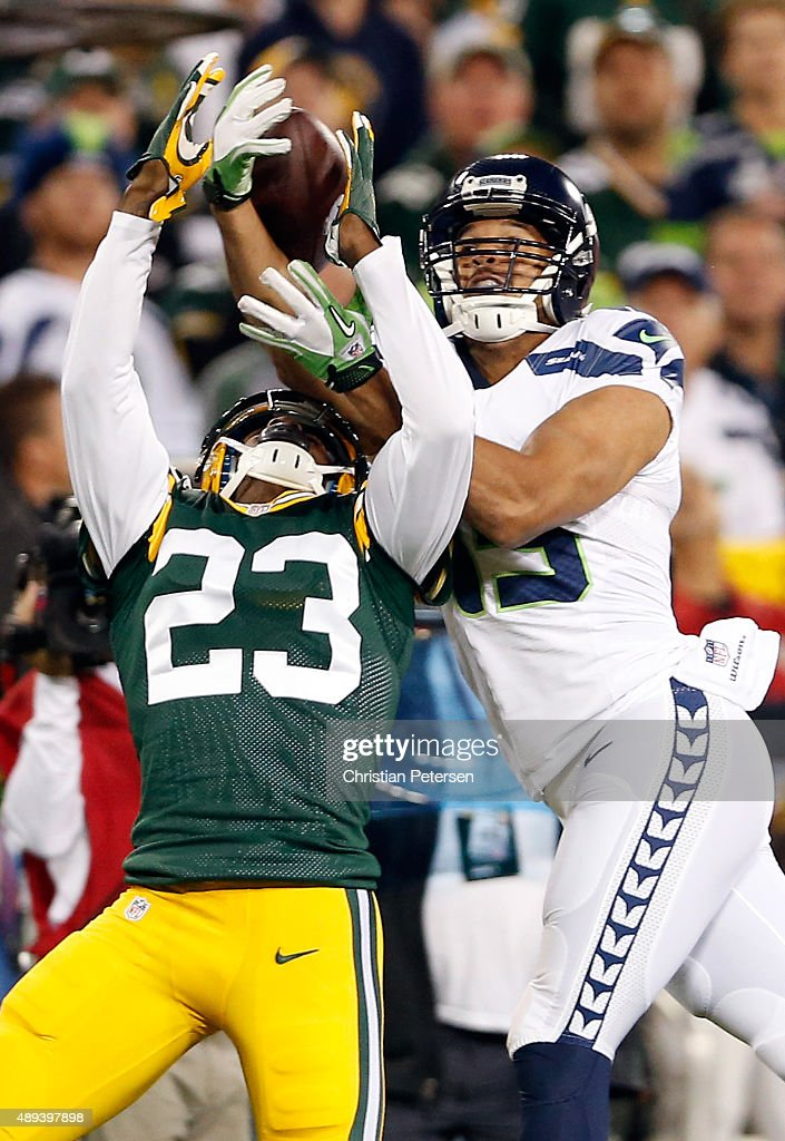 Damarious Randall #23 of the Green Bay Packers breaks up a pass intended for Jermaine Kearse #15 of the Seattle Seahawks in the second quarter during their game at Lambeau Field on September 20, 2015 in Green Bay, Wisconsin.
