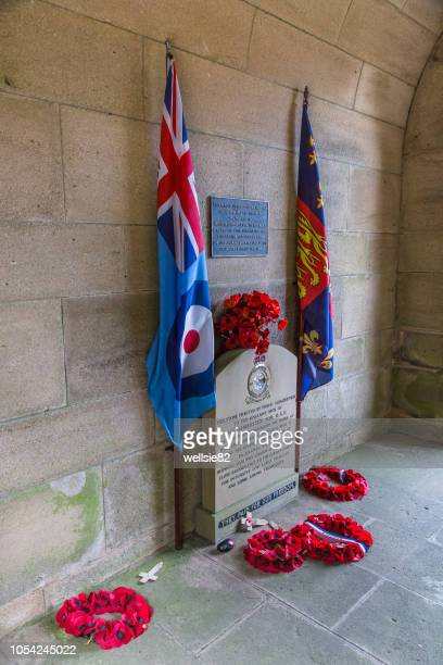 dambusters memorial at derwent dam - dambusters stock pictures, royalty-free photos & images