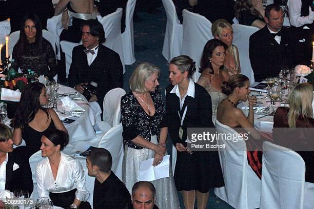 Dame Helen Mirren Hostess CharityVeranstaltung 10 UnescoBenefizGala Köln NordrheinWestfalen Deutschland Europa Maritim Hotel Bühne StarGast...