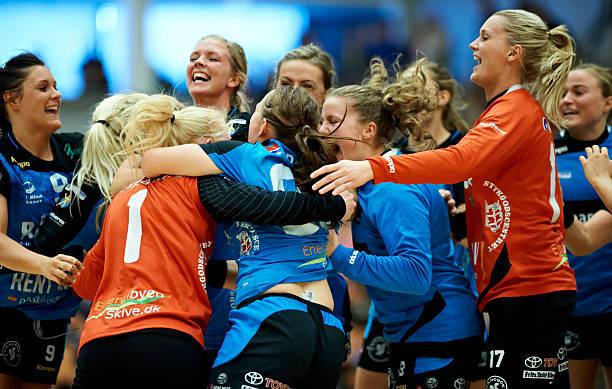 14:00 Damehandboldligaen Kobenhavn Handbold - Skive fH Photos and Images | Getty Images