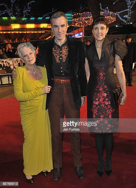 Dame Judi Dench Daniel Day Lewis and his wife Rebecca Miller attend the Nine world film premiere at the Odeon Leicester Square on December 3 2009 in...