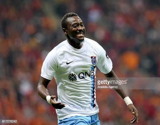Dame N'Doye of Trabzonspor celebrates after scoring his goal during Turkish Spor Toto Super Lig match between Galatasaray and Trabzonspor at Turk...