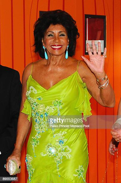 Dame Shirley Bassey arrives at the 61st Monaco Red Cross Ball at the MonteCarlo Sporting Club on July 31 2009 in Monte Carlo Monaco