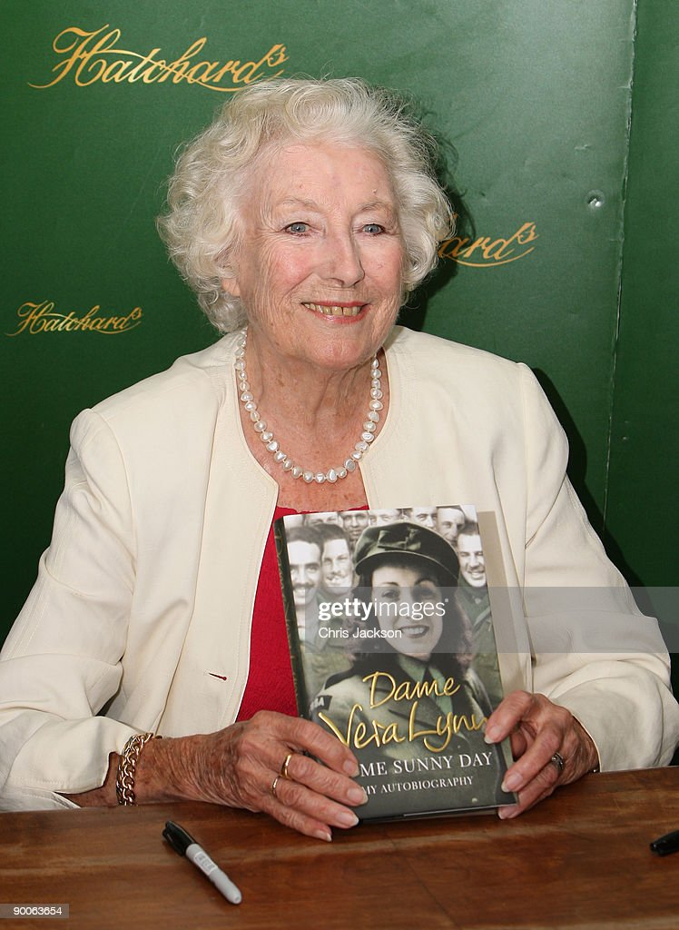 Dame Vera Lynn - Book Signing