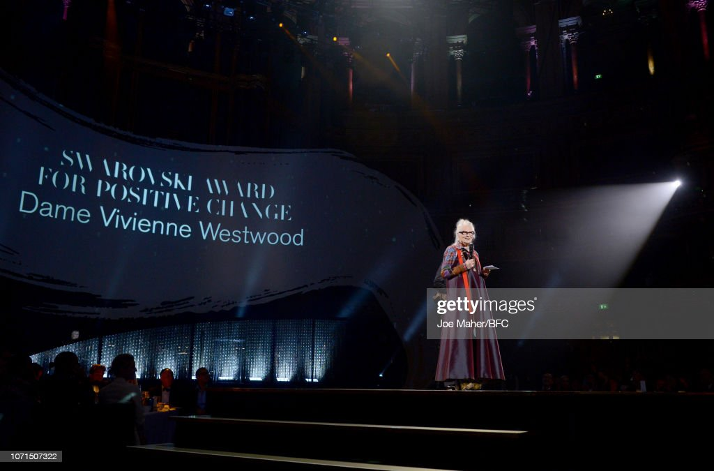 The Fashion Awards 2018 In Partnership With Swarovski - Show : ニュース写真