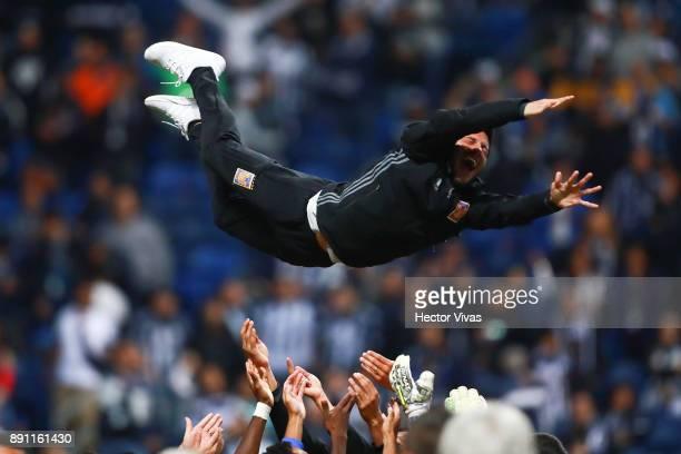 Damian Alvarez of Tigres celebrates after winning the second leg of the Torneo Apertura 2017 Liga MX final between Monterrey and Tigres UANL at BBVA...