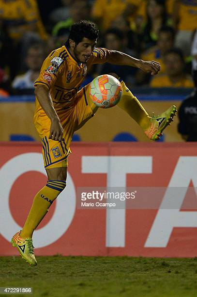 Damian Alvarez of Tigres controls the ball during a second leg match between Tigres and Universitario de Sucre as part of round of sixteen of Copa...