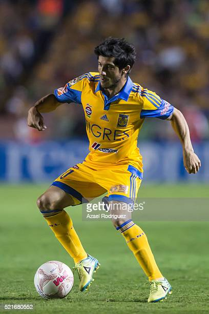 Damian Alvarez of Tigres drives the ball during the 14th round match between Tigres UANL and Dorados de Sinaloa as part of the Clausura 2016 Liga MX...