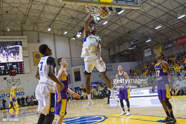 Damian Jones of the Santa Cruz Warriors dunks the ball against the South Bay Lakers during an NBA GLeague game on November 4 2017 at Kaiser...