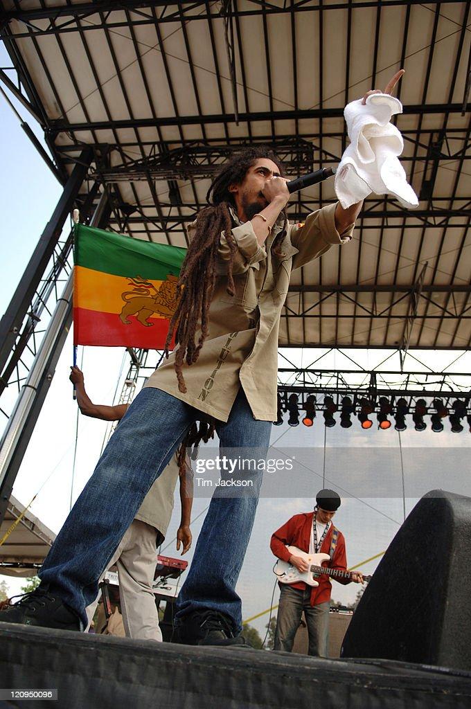 """Bonnaroo 2006 - Day 2 - Damian """"Jr. Gong"""" Marley"""