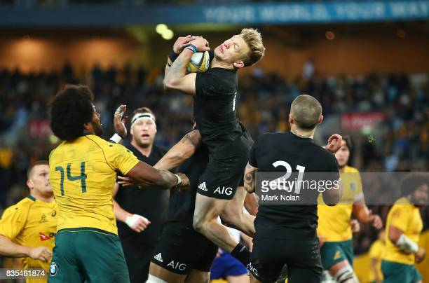 Damian McKenzie of the All Blacks takes a high ball during The Rugby Championship Bledisloe Cup match between the Australian Wallabies and the New...