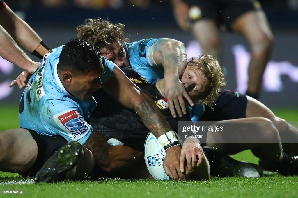 Super Rugby Rd 15 - Chiefs v Waratahs : News Photo