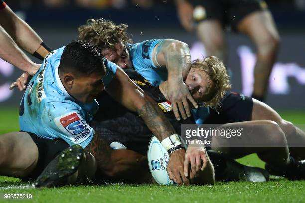 Damian McKenzie of the Chiefs scores a try during the round 15 Super Rugby match between the Chiefs and the Waratahs at FMG Stadium on May 26 2018 in...