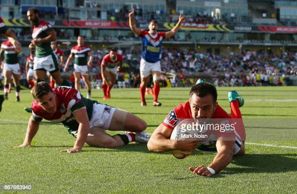 Damien Cardace of France scores a try during the 2017 Rugby League World Cup match between France and Lebanon at Canberra Stadium on October 29 2017...
