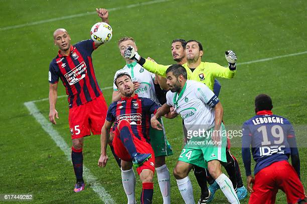 Damien Da Silva and Remy Vercoutre of Caen and Loic Perrin of Saint Eienne during the Ligue 1 match between SM Caen and AS SaintEtienne at Stade...