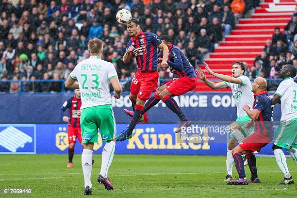 Damien Da Silva of Caen during the Ligue 1 match between SM Caen and AS Saint-Etienne at Stade Michel D'Ornano on October 23, 2016 in Caen, France.