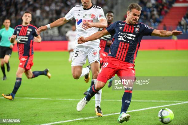 Damien Da Silva of Caen during the Ligue 1 match between SM Caen and Amiens SC at Stade Michel D'Ornano on September 23 2017 in Caen France