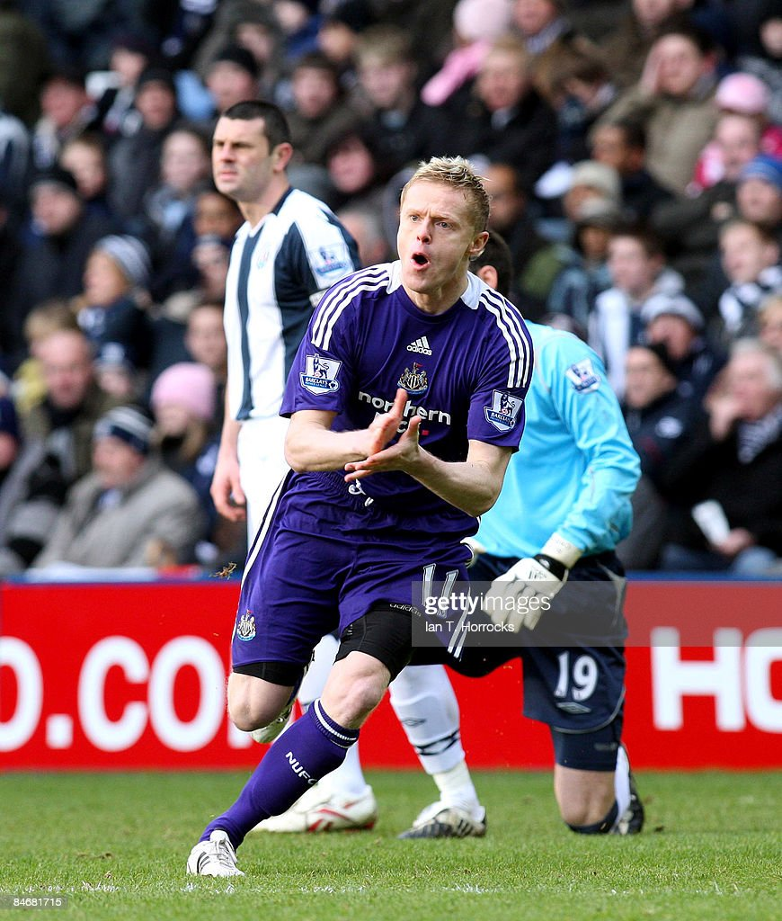 Damien Duff celebrates after scoring the opening goal during the Barclays Premier League match between West Bromwich Albion and Newcastle United at the Hawthorns on February 07, 2009 in West Bromwich, England. (Photo by Ian Horrocks/Newcastle United via Getty Images) Newcastle-upon-Tyne, England.