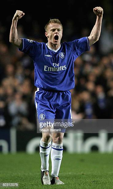 Damien Duff of Chelsea celebrates scoring their third goal during the UEFA Champions League, First Knockout Round, Second Leg match between Chelsea...