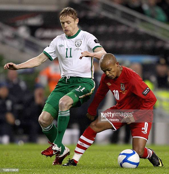 Damien Duff of Ireland in action with Robert Earnshaw of Wales during the Carling Nations Cup match between Republic of Ireland and Wales at Aviva...