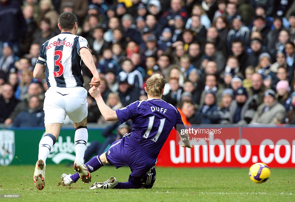 Damien Duff scores the opening goal during the Barclays Premier League game between West Bromwich Albion and Newcastle United at the Hawthorns on February 07, 2009, in West Bromwich, England.