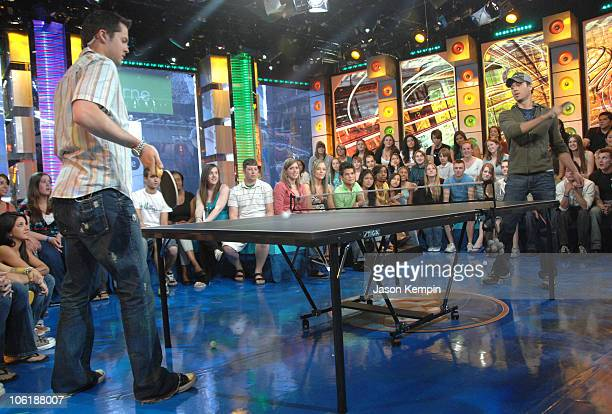 """Damien Fahey and Enrique Iglesias during Enrique Iglesias Visits MTV's """"TRL"""" - May 14, 2007 at MTV Studios in New York City, New York, United States."""