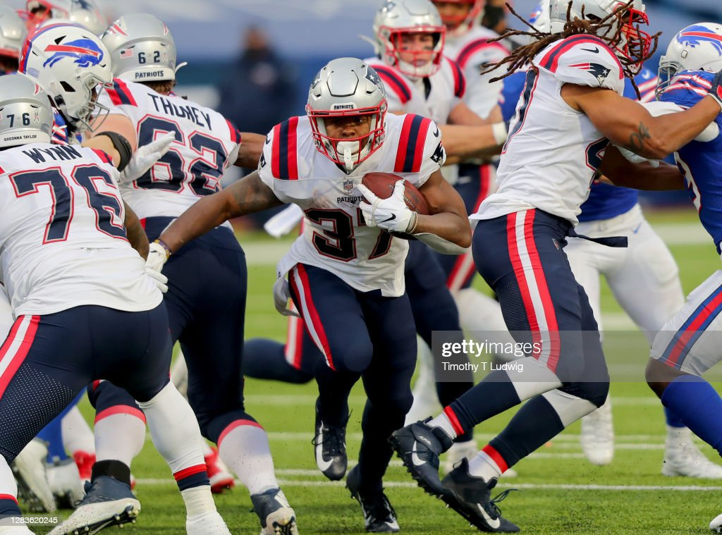 New England Patriots v Buffalo Bills : News Photo