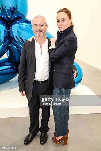 Damien Hirst and Stella McCartney attend a private dinner for Jeff Koons hosted by Damien Hirst at Newport Street Gallery on May 16 2016 in London...