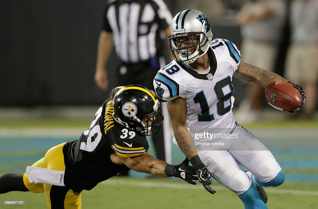 Pittsburgh Steelers v Carolina Panthers : News Photo