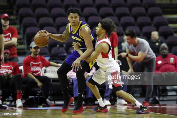 Damion Lee of the Santa Cruz Warriors handles the ball against Memphis Hustle during an NBA GLeague game on March 10 2018 at Landers Center in...