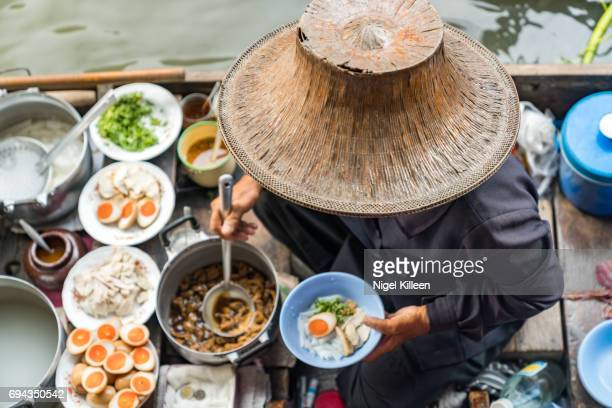 damnoen saduak floating market - street food stock pictures, royalty-free photos & images