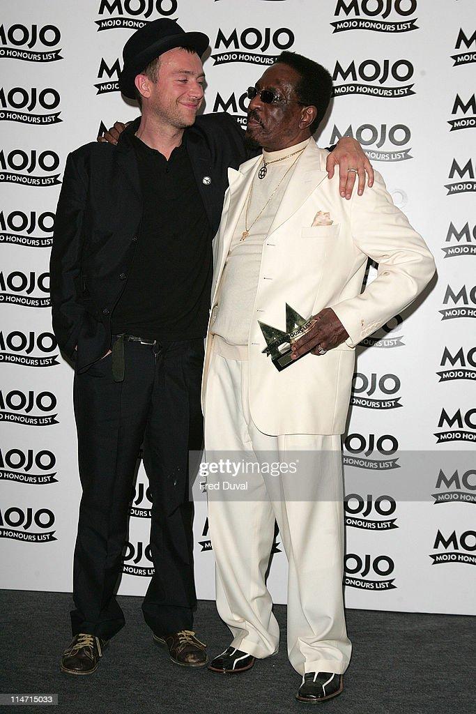 Damon Albarn with Ike Turner, winner of MOJO Legend award