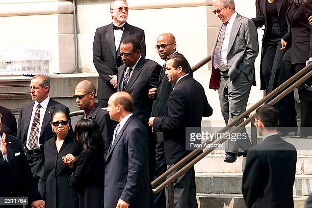 Damon Dash leaving RB singer Aaliyah's funeral service at St Ignatius Loyola Roman Catholic Church in New York City 8/31/2001 Photo Evan...