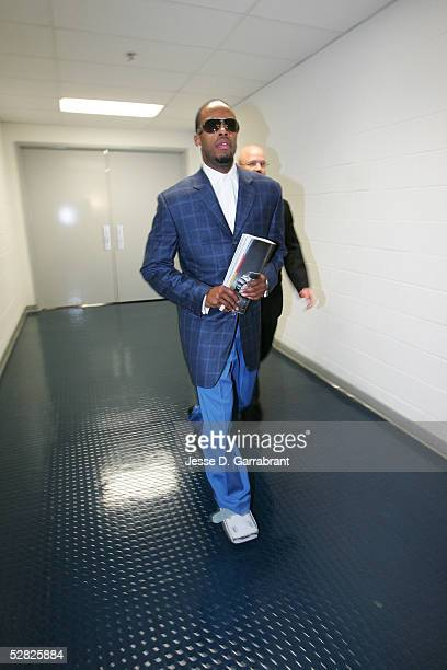 Damon Jones of the Miami Heat arrives for their game against the Washington Wizards Game four of the Eastern Conference Semifinals during the 2005...