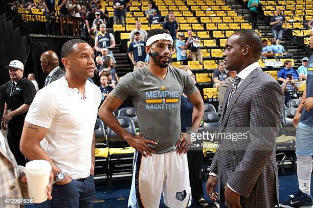 Damon Stoudamire Mike Conley of the Memphis Grizzlies and Brevin Knight before the game against the Golden State Warriors in Game Three of the...