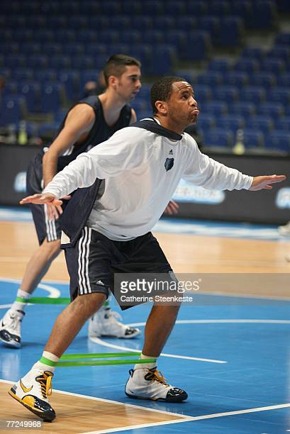 Damon Stoudamire of the Memphis Grizzlies is having fun doing some drills during open practice during the EA Sports NBA Europe Live Tour at Palacio...