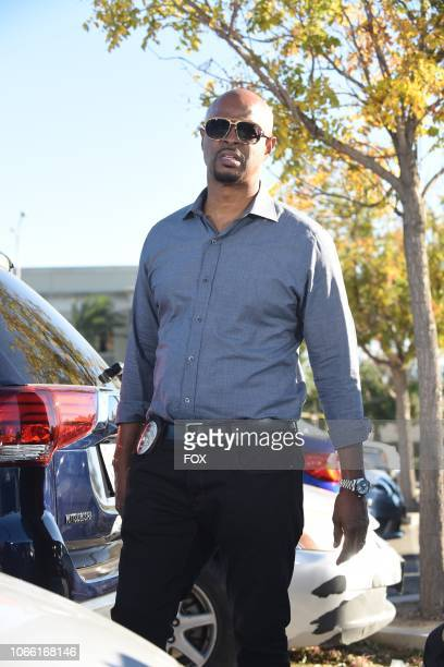 Damon Wayans in the What the Puck episode of LETHAL WEAPON airing Tuesday Nov 27 on FOX