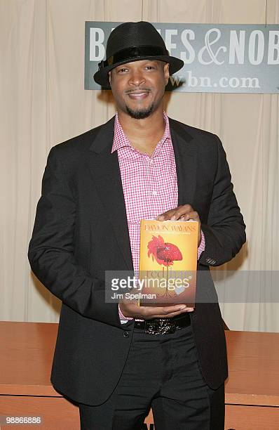 Damon Wayans promotes 'Red Hats' at Barnes Noble 5th Avenue on May 5 2010 in New York City
