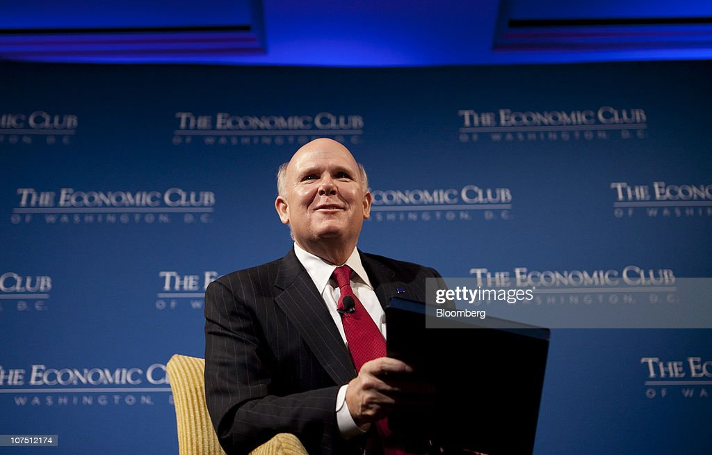 Dan Akerson, chief executive officer of General Motors Co., laughs during an Economic Club of Washington event in Washington, D.C., U.S., on Friday, Dec. 10, 2010. GM used a government rescue to transform into an agile business determined not to repeat its past, Akerson said. Photographer: Andrew Harrer/Bloomberg via Getty Images