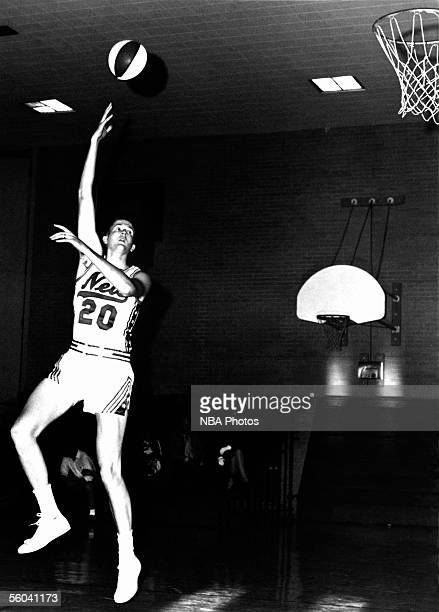 Dan Anderson of the New York Nets poses for an action portrait circa 1967 in Uniondale New York NOTE TO USER User expressly acknowledges that by...